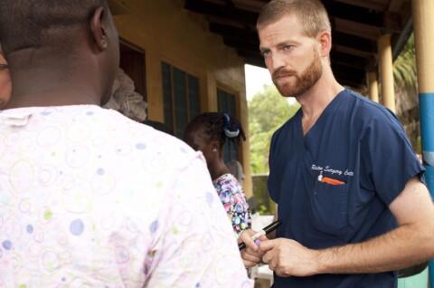 Amerikansk ebola-lege skrives ut
