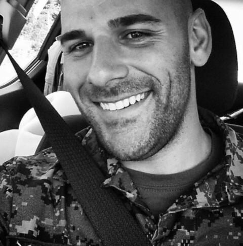 Soldaten Nathan Cirillo drept