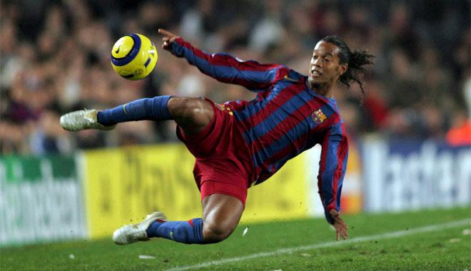 الان وحصريا على منتديات احلى مكتبة صور رياضية فقط كرة قدم وللكل الحق في المشاركة Ronaldinho_219053c