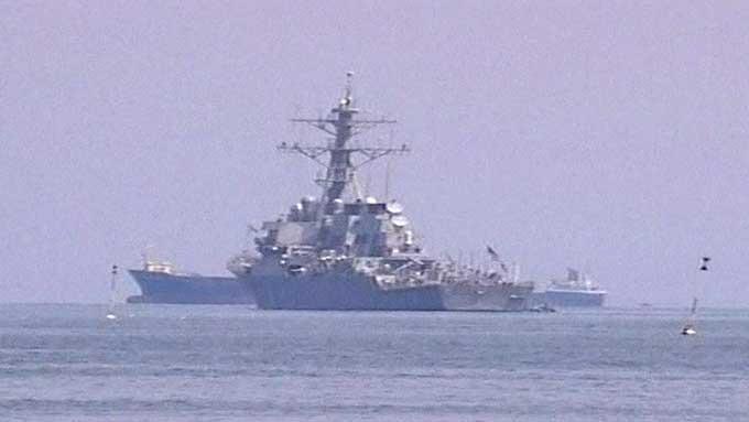 Den amerikanske destroyeren USS McFaul ankom Georgia søndag, fullastet med nødhjelp.