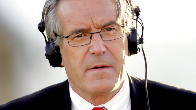 Davy Wathne mener at Yngve Hallén, Niels Røine og Nils Skutle gambler med merkevaren norsk fotball. – De roter det til, tordner TV 2-profilen! Davy er Rasende og fly forbannet! thumbnail