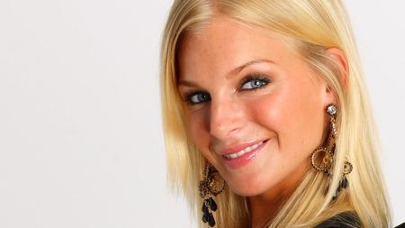Kathrine Sørland har solgt seg inn på kropp og vakkert ansikt! thumbnail