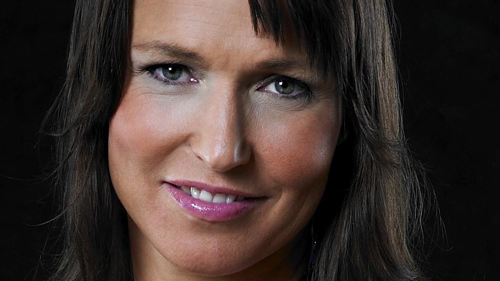 Susann Goksør Bjerkrheim satte piercing i puppen, på TV! thumbnail