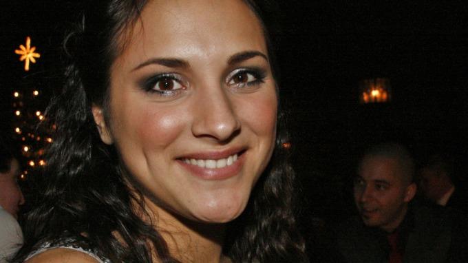 «Hotel Cæsar» Nathalie Tonga skal gifte seg med kjæresten Ole Alexander Lislerud! thumbnail