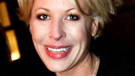 Anne-Kat. Hærland sier hun aldri har vært kjæreste med Ari Behn, men har de hatt sex? thumbnail