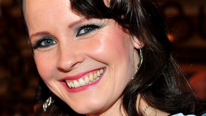 Lisa Stokke er vakker nok i seg selv, trenger da ikke botox og silikon! thumbnail