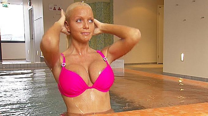 Puppemodell Cathrine Aschim heftig og het, og kanskje bodybuilder! thumbnail