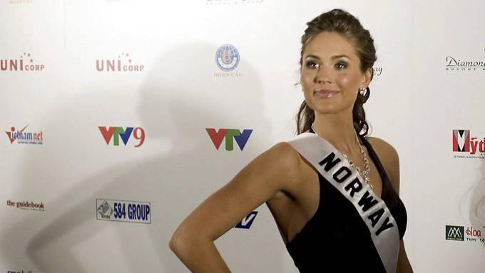Miss World-Mariann (23) hevder hun er blitt sextrakassert av falsk motefotograf! thumbnail
