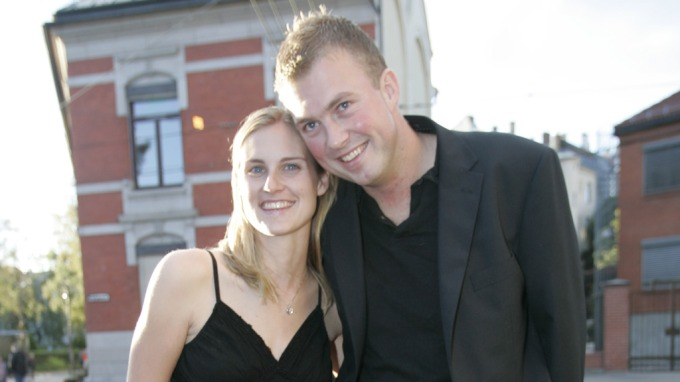 Tore Jardar Johannessen og Michelle Skjønsholt Wirgenes fra «Jakten på kjærligheten» venter sitt første barn, de har parret seg og Michelle er gravid! thumbnail