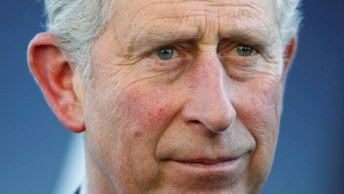 Prins Charles skal overnatte alene på slottet sammen med Mette-Marit! thumbnail