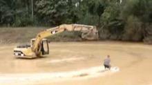 Slik står du på vannski etter en gravemaskin