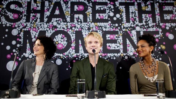 NRK valgte forutsigbare og kjedelige programledere til MGP! thumbnail