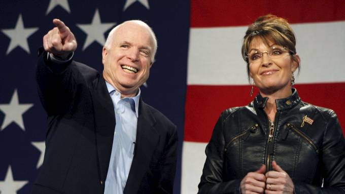 Sarah Palin og John McCain rir igjen, ekle homofobe bakstrevere? thumbnail