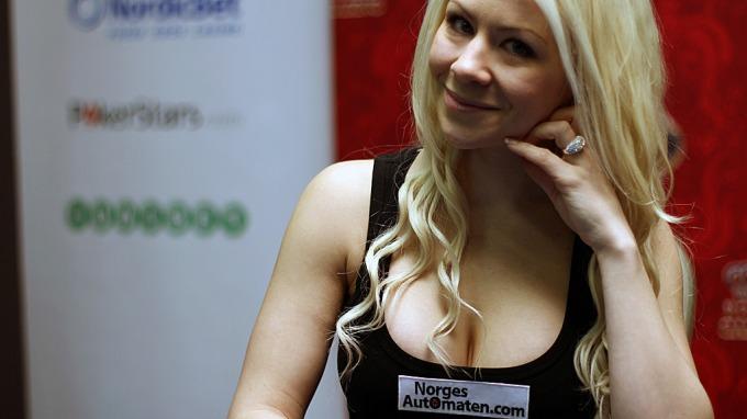 Poker heftige, hotte og sexy kvinner! thumbnail