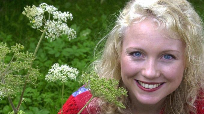 Den vakre Hedda Kise er tilbake med programmet «Jenter på hjul»! thumbnail