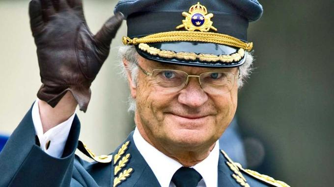 Kong Carl Gustaf i hardt vær, og han minnes på sine ungdomssynder! thumbnail