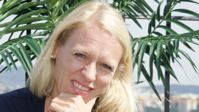 Kulturminister Anniken Huitfeldt tar en Ole Burm, jatakk begge deler! thumbnail