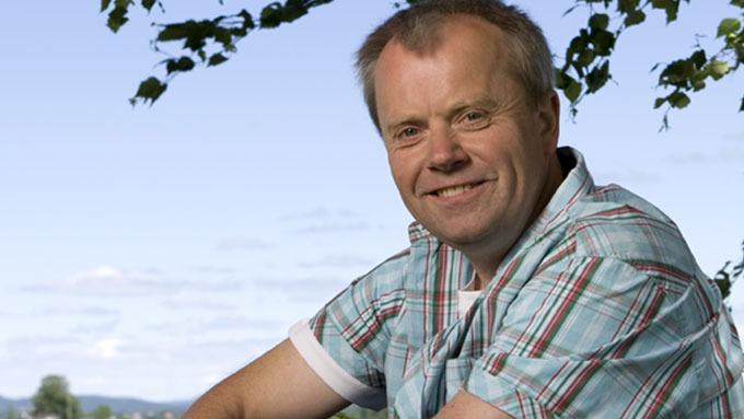 Bonden Jostein Sundby ga diamantsmykke til frier! thumbnail