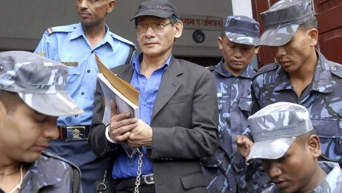 «Bikinimorderen» Charles Sobhraj endelig dømt for sine ugjerninger! thumbnail