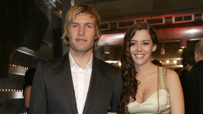 Andreas Ygre Wiig fikk ikke kjæresten Marion Ravn med på kjendiskamp på Norway Cup! thumbnail