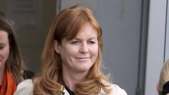 Vil vel tro at Sarah Ferguson har en fyrrig elsker eller to på lur! thumbnail