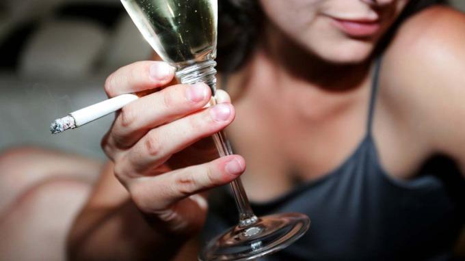 Alkohol er et farligere rusmiddel enn både crack og heroin, eller? thumbnail