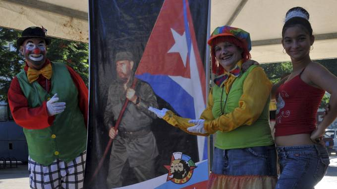 Lenge leve Fidel Castro, en ekte helt! thumbnail