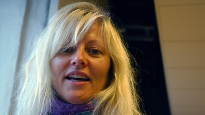 Eli Kari Gjengedal er populær venn på Facebook, hun er i vinden! thumbnail