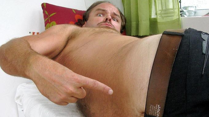 Atle Antonsen måtte droppe TV 2-festen, han har prolaps i ryggen! thumbnail
