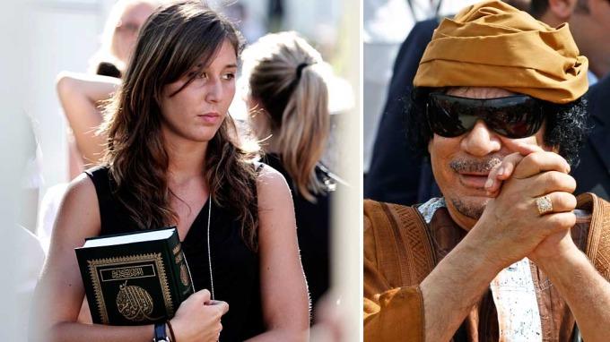 Den libyiske diktatoren Moammar Gaddafi  frelste tanketomme modeller! thumbnail
