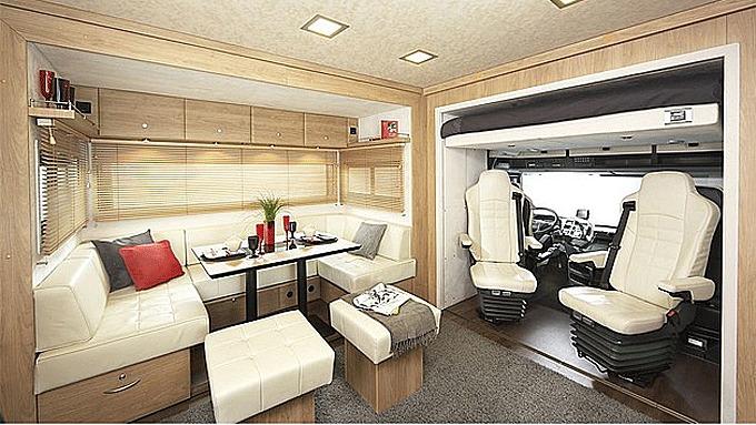 Luksus og komfort - dette er bobilens salong.