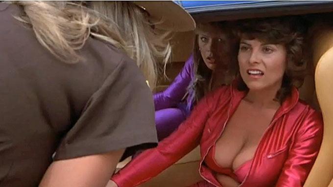 Glamourmodell Cathrine Aschim fikk puppestopp fra onkel politi! thumbnail