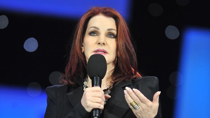 Priscilla Presley hevder at Michael Jacksom var full av frykt og paranoid! thumbnail