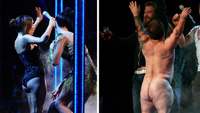 Eva Longoria og «Jackass»-stjernen Jason Acuña kastet klærne under MTV-festen. thumbnail