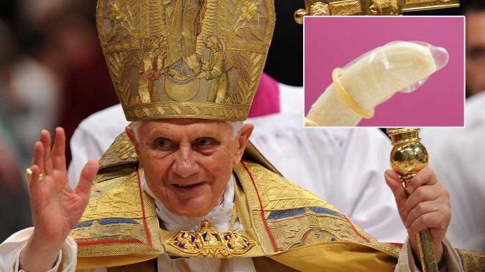 Paven og andre katolikker kan nå tre kondom på sin snurrebass(…)! thumbnail
