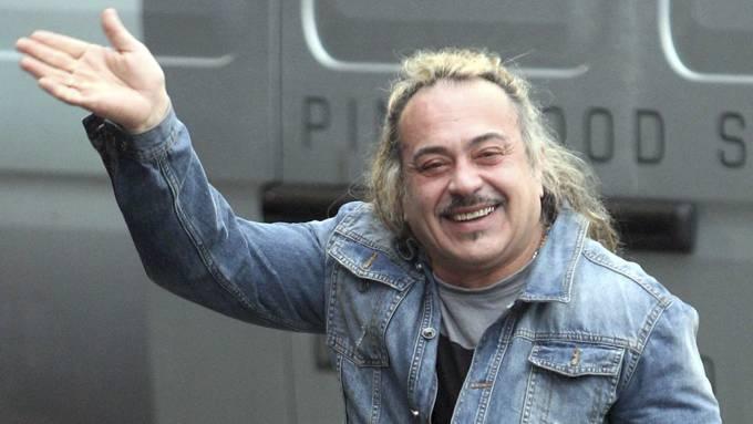 Simpelt å henge ut Wagner Carriho som er uføretrygdet på grunn av deltakelse i «X Factor»! thumbnail