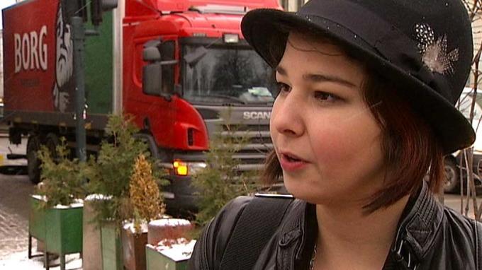 Tidligere NRK- programleder Bjørnar Løberg provoserer med Maria Amelie, flott la Maria Amelie bli! thumbnail