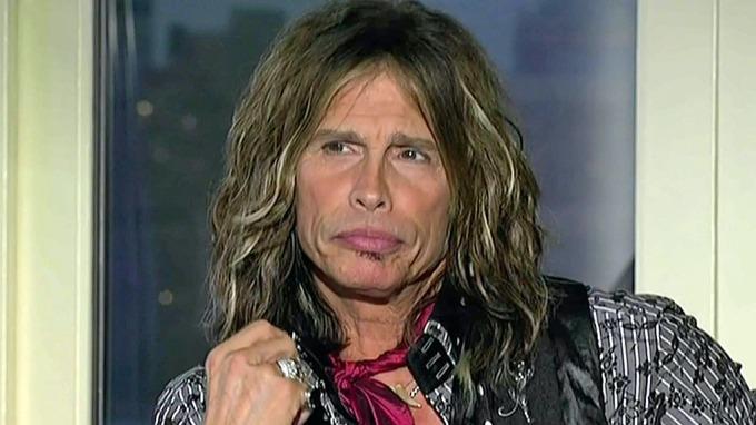 Styggingen Steve Tyler gikk langt over streken som dommer i «American Idol» og mobbet en av deltagerne! thumbnail
