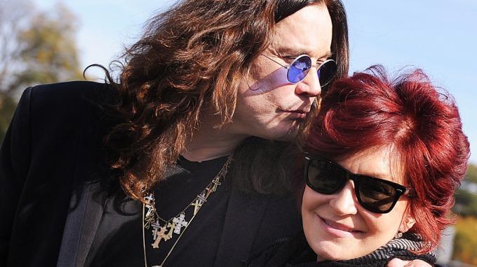 Kåte Ozzy Osbourne hevder han enda puler kjerringe Sharon Osbourne fem ganger i uka! thumbnail