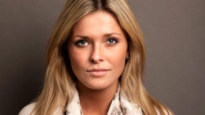 Eirin Hagström viser mye av seg selv i FHM, men et lekkert fruentimmer da! thumbnail