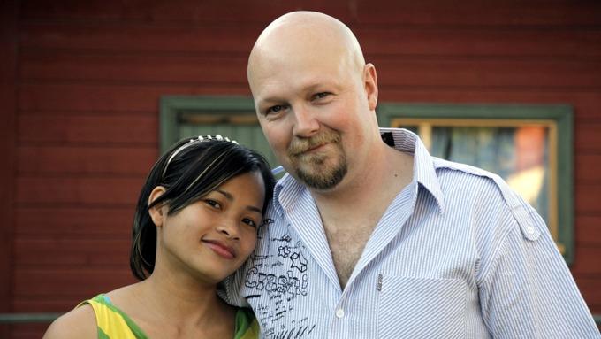 Geir Bjørndal Srisoi og hans kone Naruelmol «Mol» Srisoi møter rasisme! thumbnail
