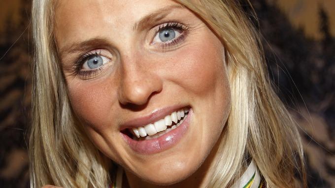 Therese Johaug sier hun ikke har kjæreste, men hun er kåt og klar om den rette dukker opp! thumbnail