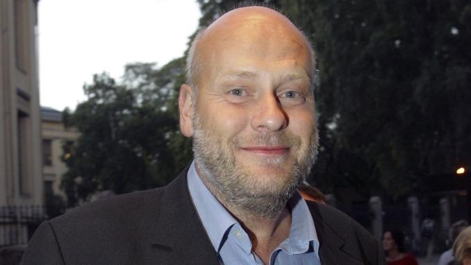 Jostein Pedersen, homsa skal følge det kongelige bryllupet i London for TV 2 thumbnail