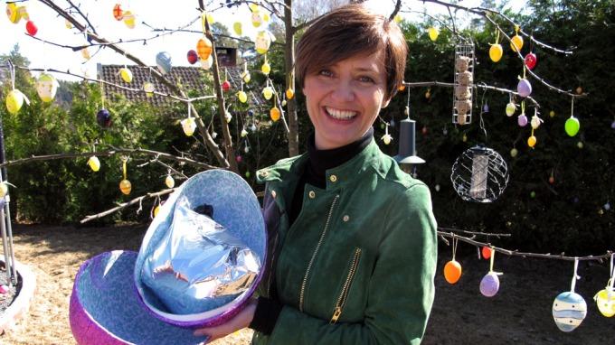 Jenny Jenssens liker spesielle påskeegg, ja som en hund etter egg! thumbnail
