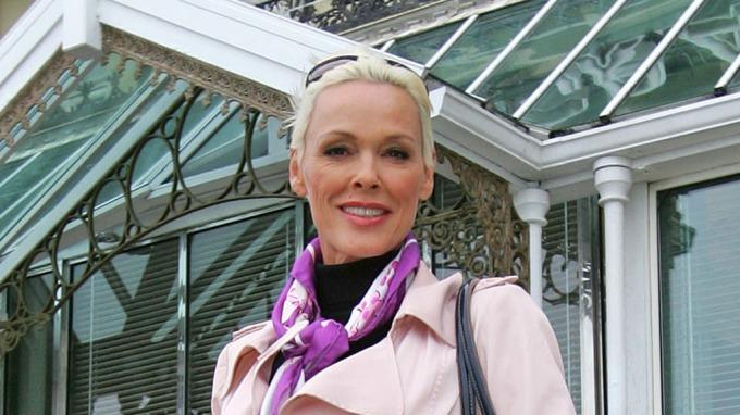 Birgitte Nielsen avslører Hollywood-sex, har knullet med Arnold Schwarzenegger og Sylvester Stallone! thumbnail