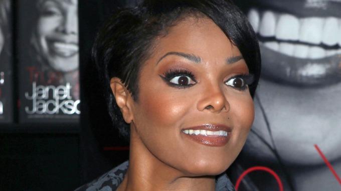 Janet Jackson deler sine minner, har mobbeminner fra sin bror Michael Jackson! thumbnail