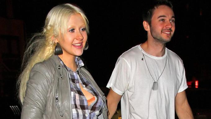 Christina Aguilera ble tatt bilder av uten sminke, men like pen er hun da! thumbnail