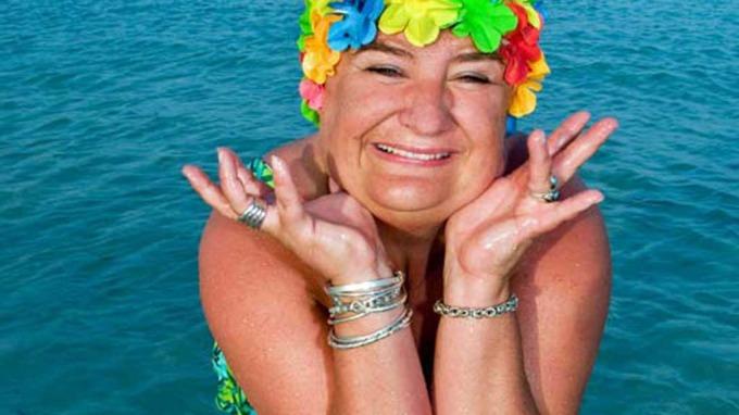 Charter Hilde gruer seg ikke til badesesongen, selv om hun er stor! thumbnail
