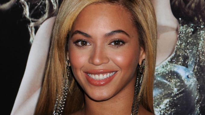Beyoncé sier hun holdt på å bli sinnssyk, og at hun måtte ta en pause! thumbnail