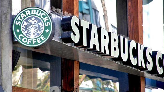 ÅPNER I NORGE: I begynnelsen av 2012 åpner Starbucks sin første filial i Norge - på Gardermoen.